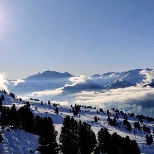 Traumhafte Bergkulisse Bei Sonnenschein