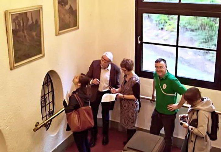 Ludwig Rinn, Dr. Schneider Und Cbr. Hobrecker Begutachten Ein Ubbelohde Kunstwerk