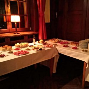 Zu Edlen Anheuser-Tropfen Das Passende Kulinarische Rahmenprogramm