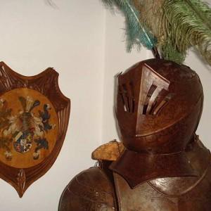 Unser Schutzpatron: Der Ritter In Der Eingangshalle