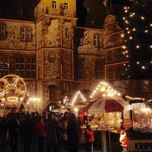 Das Rathaus Während Des Weihnachtsmarktes