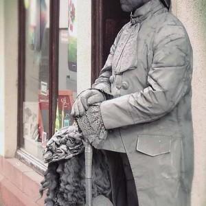 Eine Skulptur In Der Marburger Oberstadt